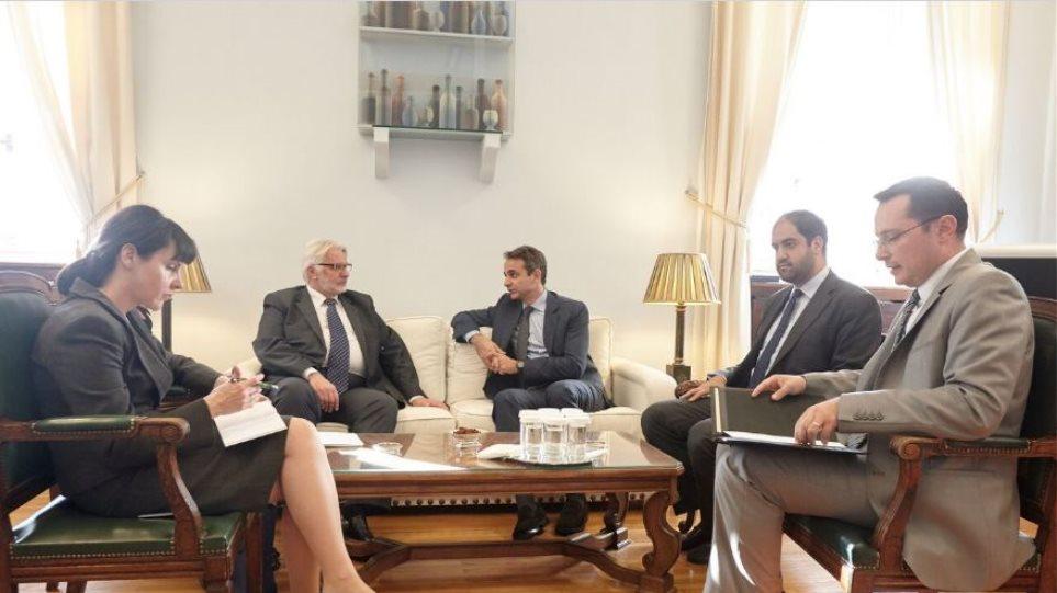 Προσφυγικό, Κυπριακό και Brexit στην ατζέντα της συνάντησης Μητσοτάκη-Πολωνού ΥΠΕΞ