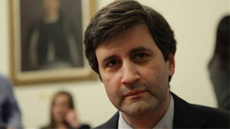 Νέα «γραμμή» Χουλιαράκη: Η απομείωση του δημόσιου χρέους δεν αποτελεί πανάκεια