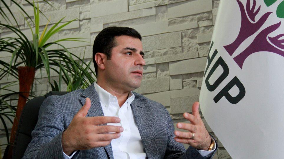 Τουρκία: Μεγάλη επιχείρηση σύλληψης ηγετικών στελεχών του Κουρδικού Κόμματος