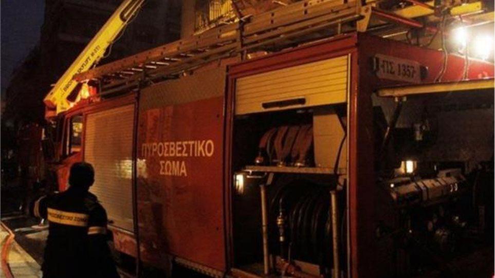 Πανικός στα Πατήσια από γκαζάκια σε πολυκατοικία: Κινδύνεψαν 14 άνθρωποι