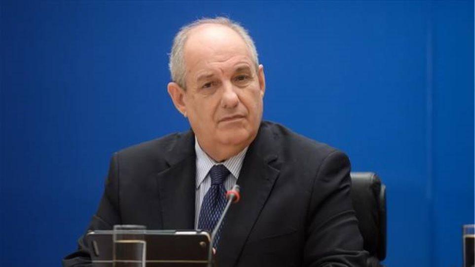 Κουίκ: Η κυβέρνηση δεν θα κάνει πίσω για τις τηλεοπτικές άδειες