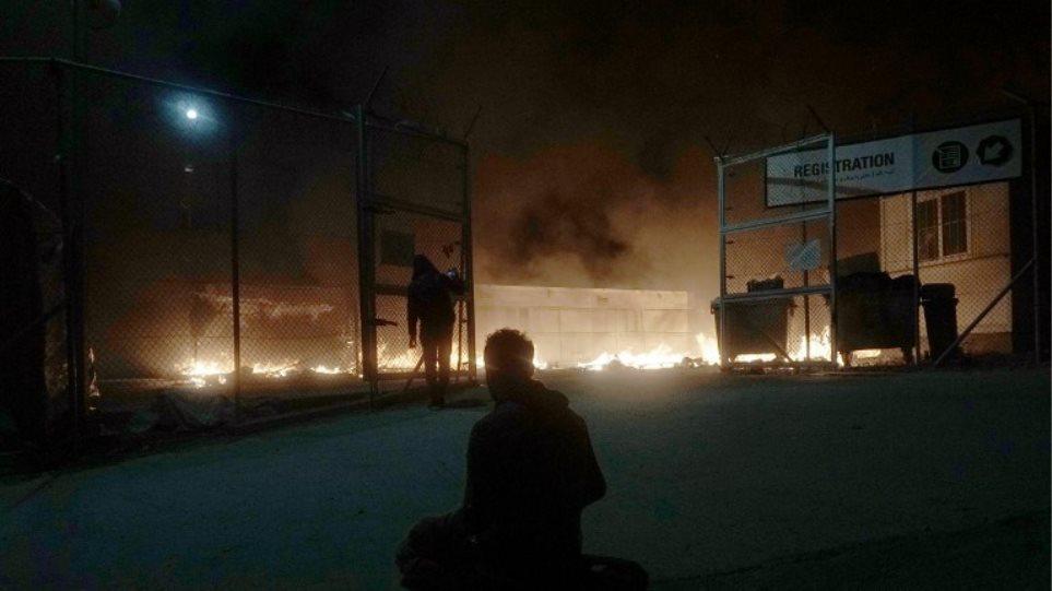 Μετά τα επεισόδια και τους νεκρούς στέλνουν στα νησιά «Ράμπο» για τα hotspot