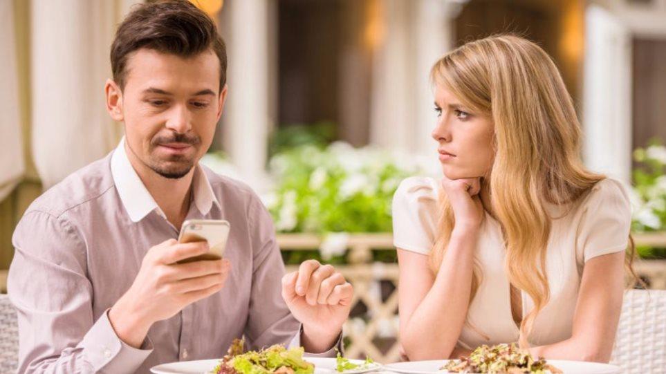 Πώς να εντυπωσιάσεις ένα κορίτσι που βγαίνει με κάποιον άλλο online dating αποκλειστικότητα μιλάμε