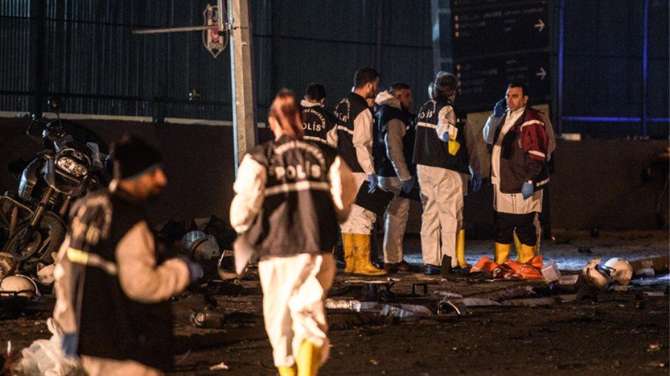 Μακελειό από παγιδευμένο όχημα και βομβιστή αυτοκτονίας στην Πόλη: 30 αστυνομικοί και 7 πολίτες νεκροί