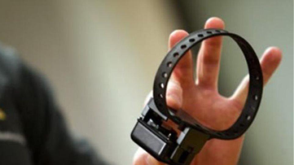 Συνελήφθη η 43χρονη που είχε αποδράσει «σπάζοντας» το βραχιολάκι da41c13ab36