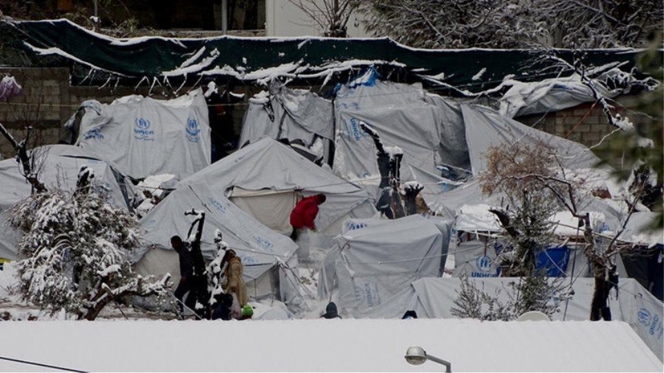 Μόρια: Αφησαν τα προσφυγόπουλα να «κοκαλώνουν» στο κρύο