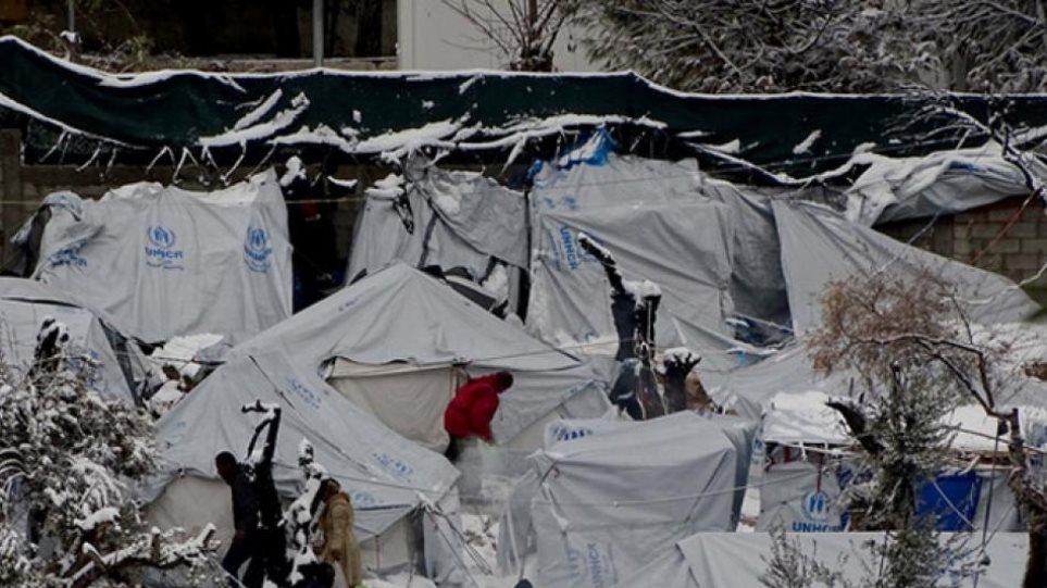Μόλις 61 μετανάστες από τη Μόρια στο αρματαγωγό «Λέσβος»