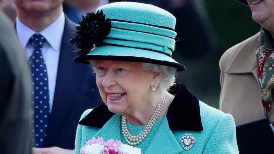Ζαφειρένιο Ιωβηλαίο για την βασίλισσα Ελισάβετ: Η πρώτη μονάρχης που βρίσκεται 65 χρόνια στο θρόνο!