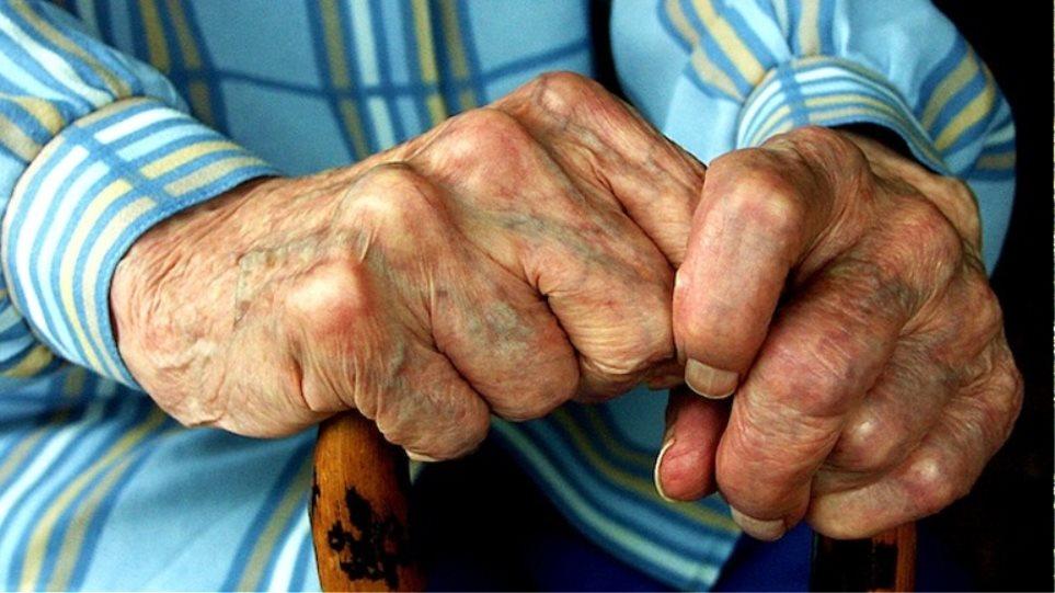 Γρεβενά: Πρώτα εξαπάτησαν τον ηλικιωμένο και μετά τον έκλεψαν