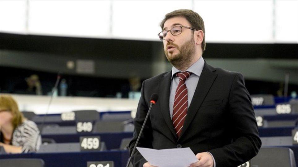 Νίκος Ανδρουλάκης: Εξασφαλίστηκαν επενδύσεις 2 δισ. ευρώ στην ενέργεια