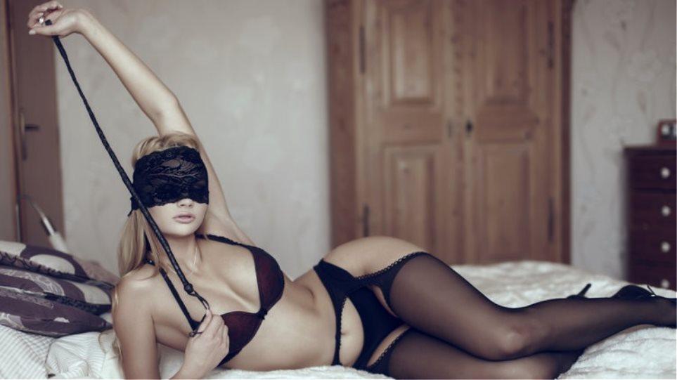 καυτά γυμνός κυρίες