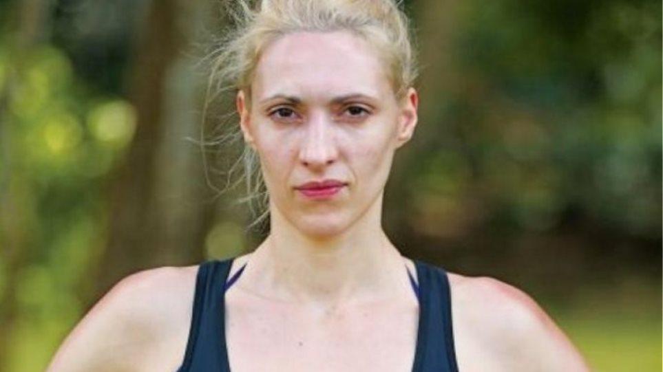 Survivor: Η Ελένη Δάρρα «καρφώνει» τους μαχητές για τον Γιώργο Αγγελόπουλο
