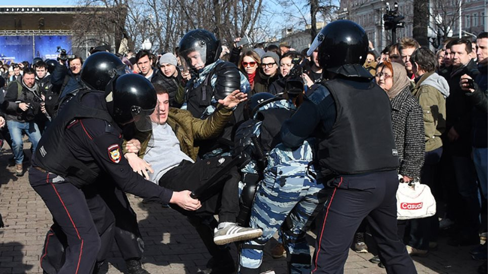 ΗΠΑ: Η Ουάσιγκτον καταδικάζει τις συλλήψεις εκατοντάδων διαδηλωτών στη Ρωσία