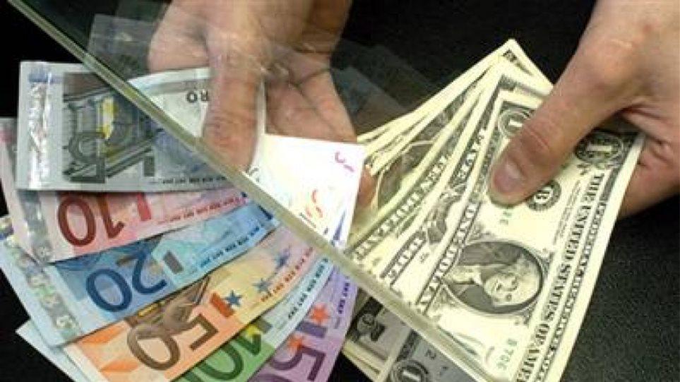 Σε χαμηλό 15ετίας το ευρώ αν βγει η Λεπέν