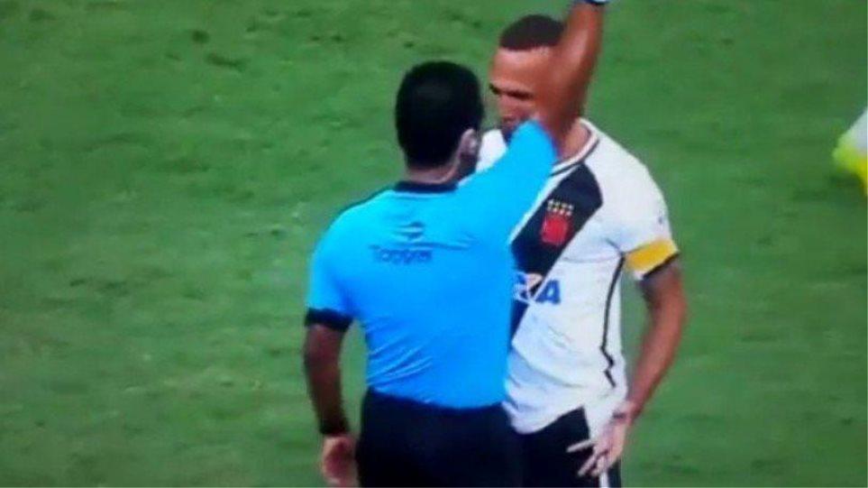 Διαιτητής έκανε θέατρο για να αποβάλει ποδοσφαιριστή στη Βραζιλία