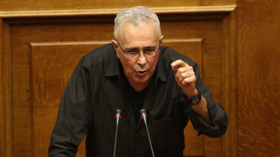 Ανοικτό το ενδεχόμενο να καταψηφίσει τα μέτρα αφήνει ο Ζουράρις