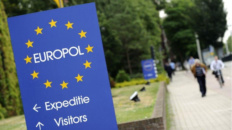 Η Βρετανία πιθανόν να φύγει και από τη Europol στο πλαίσιο του Brexit
