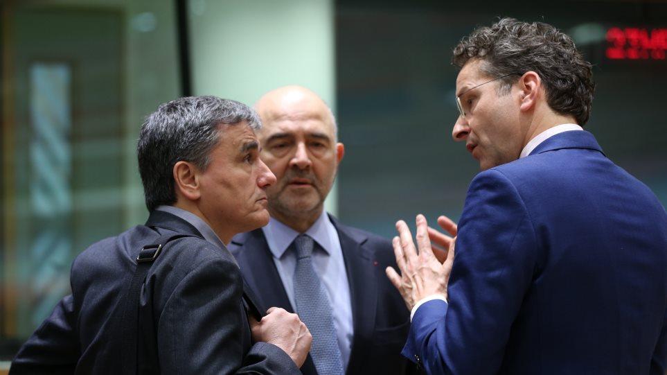 Reuters: Συμφωνία Αθήνας-θεσμών για εργασιακά και περικοπές συντάξεων