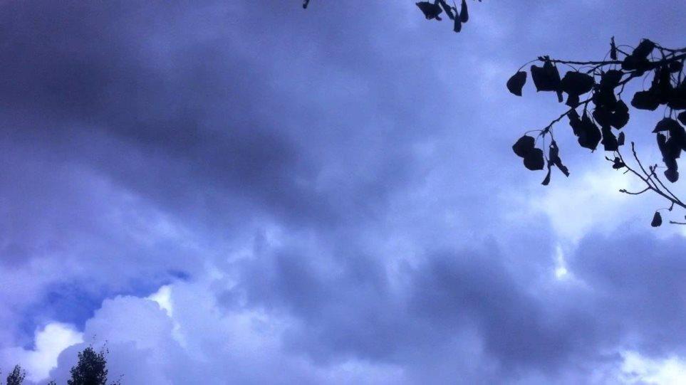 Καιρός: Συννεφιά και βροχές στο μεγαλύτερο μέρος της χώρας