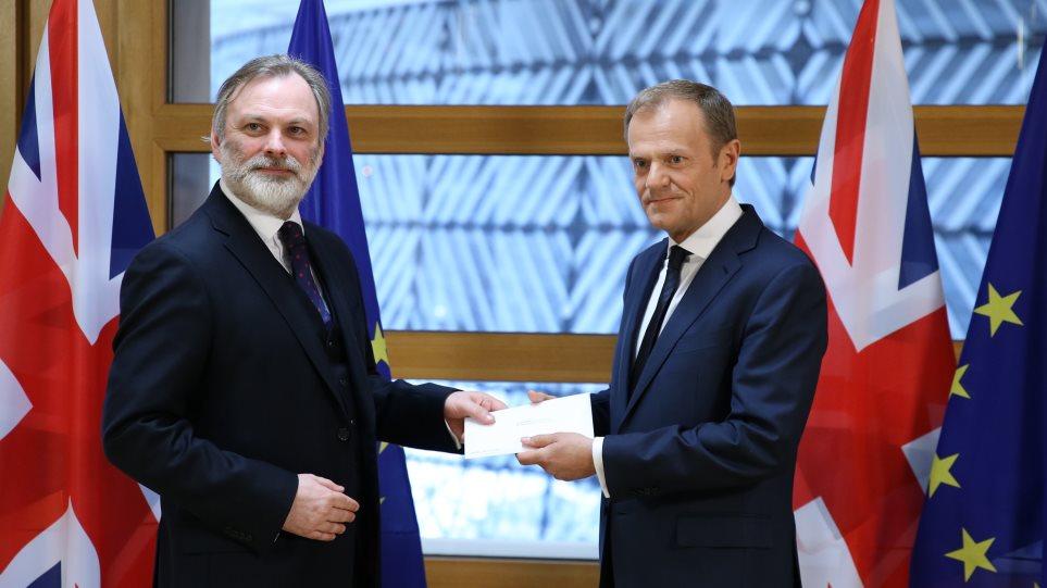 Ποιος είναι ο διπλωμάτης που παρέδωσε την επιστολή για το Brexit στην ΕΕ