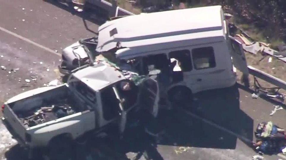 Τραγωδία στις ΗΠΑ: 13 νεκροί από σύγκρουση αγροτικού με λεωφορείο γεμάτο πιστούς