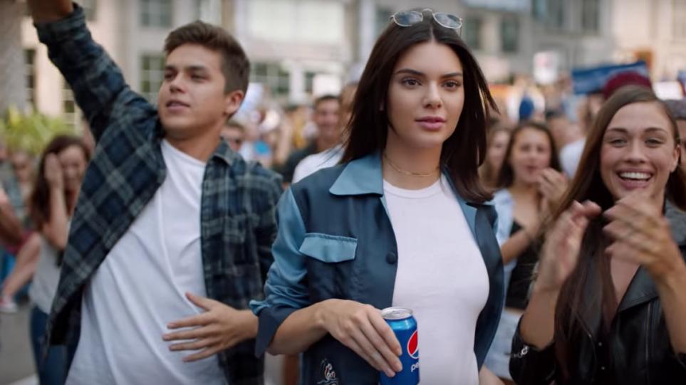 d39fe4de41d Η κόρη του Μάρτιν Λούθερ Κινγκ τα είπε όλα για την «άκυρη» διαφήμιση της  Pepsi με ένα... tweet