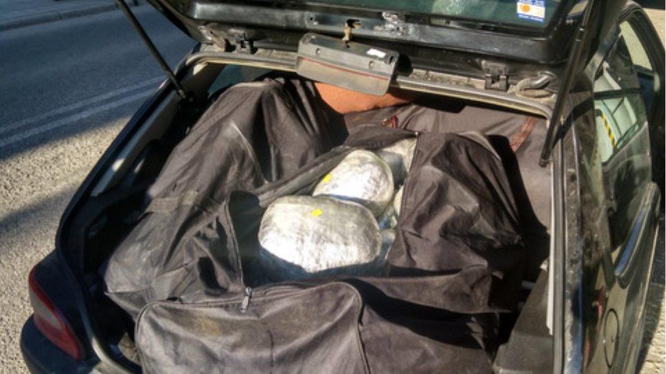 Καστοριά: «Μπλόκο» σε 106 κιλά κάνναβης - Κινηματογραφική καταδίωξη