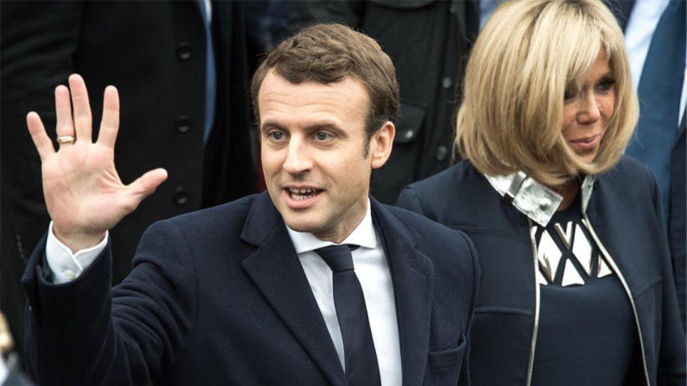 Γαλλικές εκλογές: Νίκη Μακρόν με 65,1% έναντι της Λεπέν προβλέπουν τα exit polls