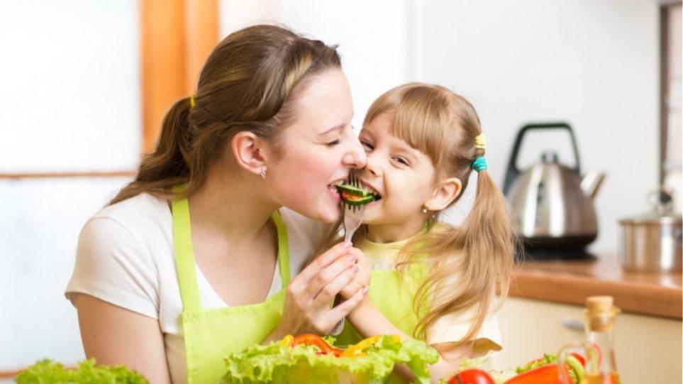 Πώς βοηθούν τα φρούτα και λαχανικά να είμαστε υγιείς