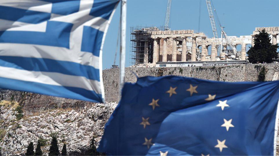 «Κολλημένη» στην ύφεση για έξι μήνες η ελληνική οικονομία