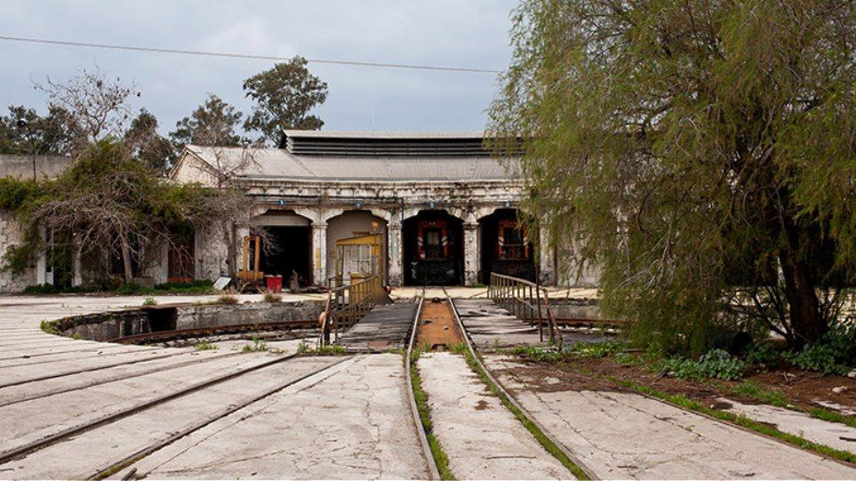 Στο εργοστάσιο των τρένων