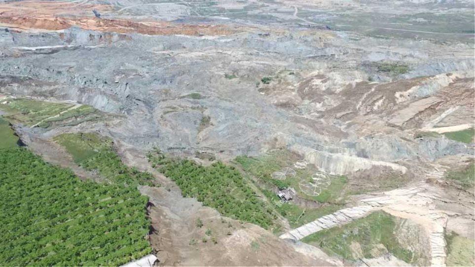 Αμύνταιο: Γκρεμίζουν ολόκληρο χωριό μετά την κατολίσθηση 80 εκατ. κυβικών μέτρων χώματος