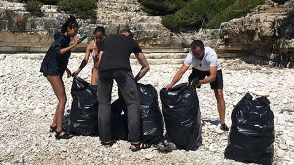 Δήμαρχος Παξών κατά... οικογένειας Σμιθ: Σιγά μην μάζεψαν 22 σακούλες σκουπίδια!