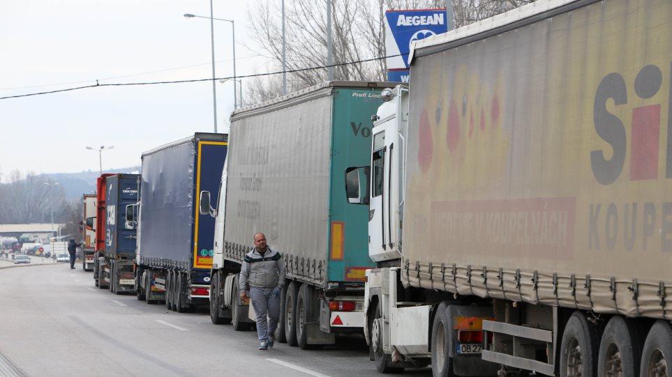Eurobank για εξαγωγές: Ανταγωνιστικοί οι μισθοί, αλλά σημαντικό εμπόδιο τα διαρθρωτικά προβλήματα