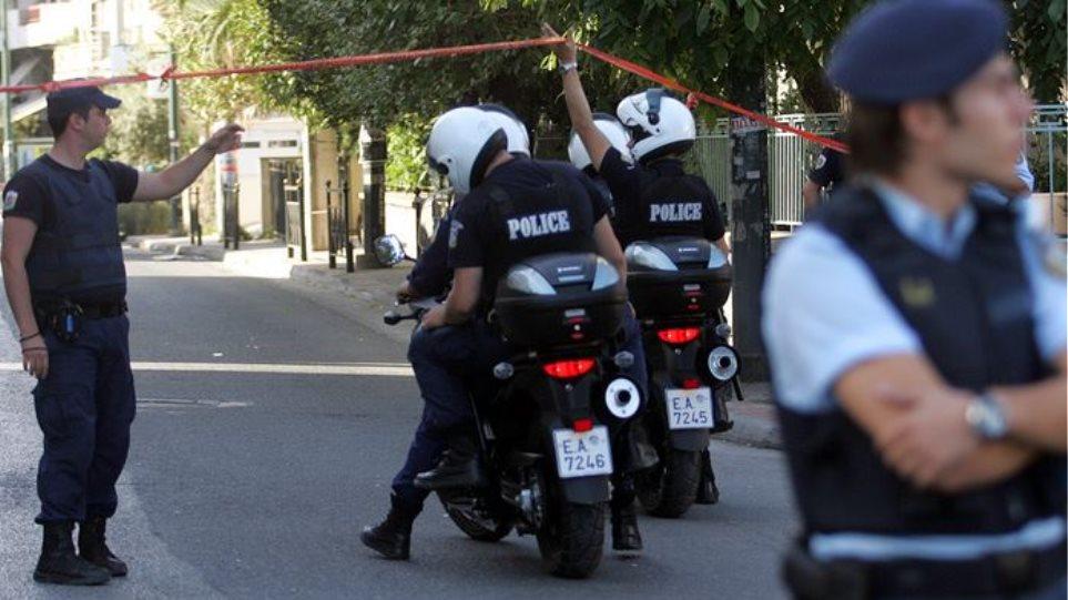 Μεγάλη αστυνομική επιχείρηση για εξάρθρωση κυκλώματος εκβιαστών