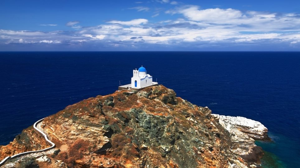 Continuing the Ancient Greek art: Potters of Sifnos
