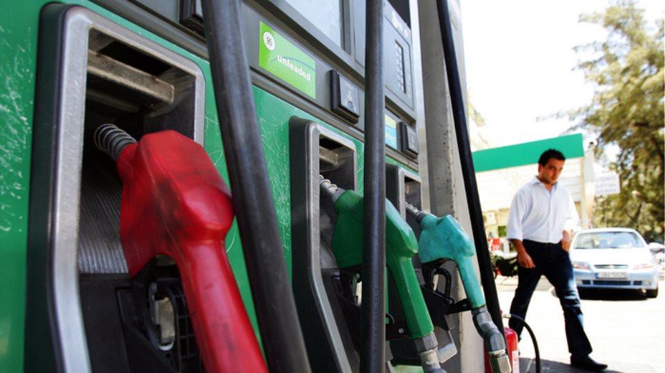 Τρίπολη: Χάλασε ο αυτόματος πωλητής σε βενζινάδικο και έβαζαν βενζίνη δωρεάν!