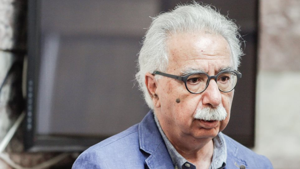 Ο κ. Γαβρόγλου επιβεβαιώνει: Απηλλάγη από τη στρατιωτική του θητεία με διάταγμα της Χούντας