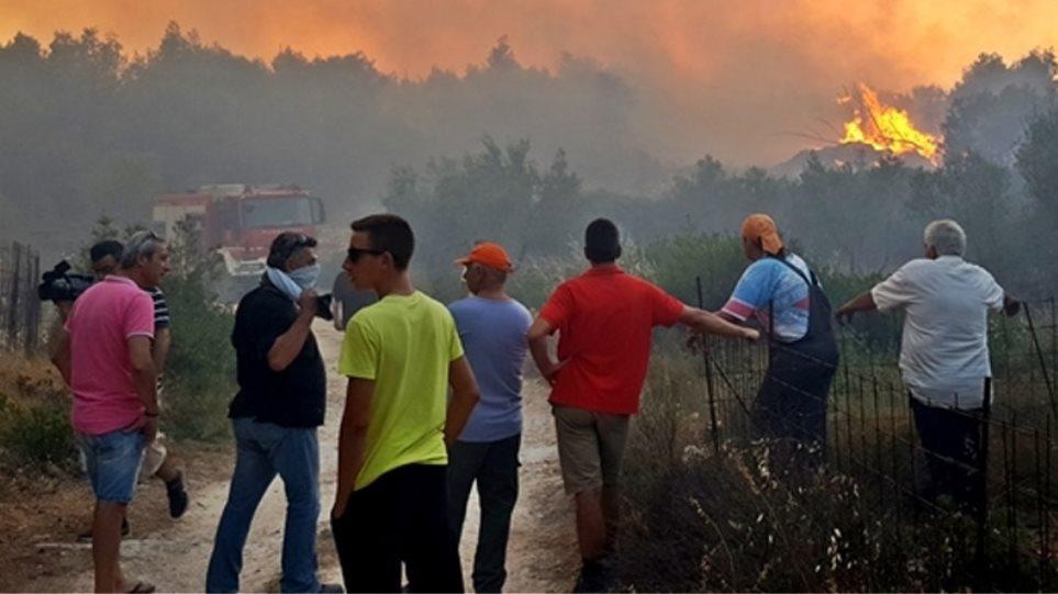 Ζάκυνθος: Τρίτη μέρα στην πύρινη κόλαση