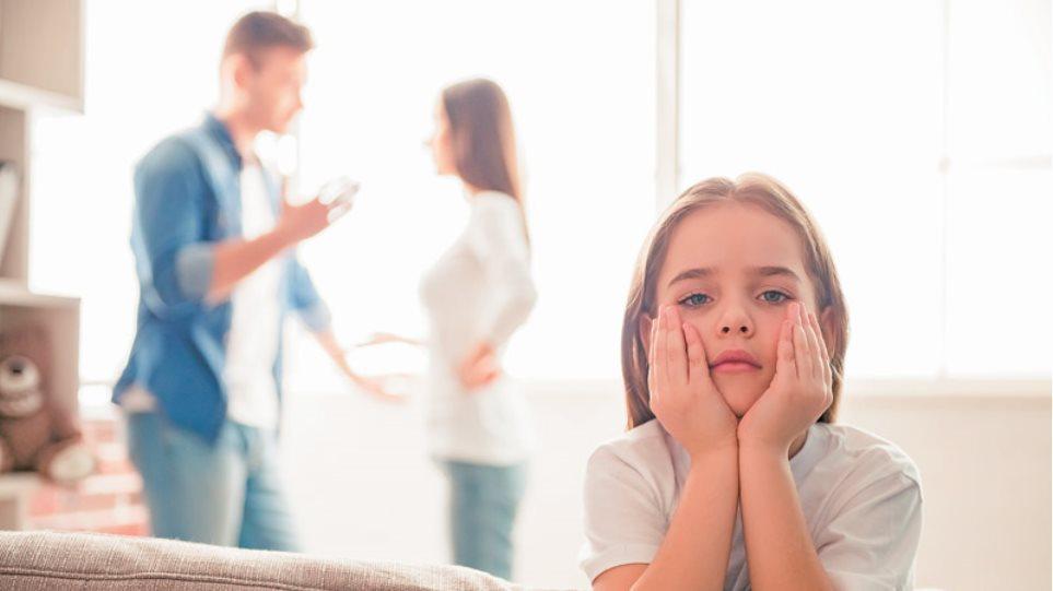 Πώς να γνωρίσετε έναν άντρα ανύπαντρη μητέρα