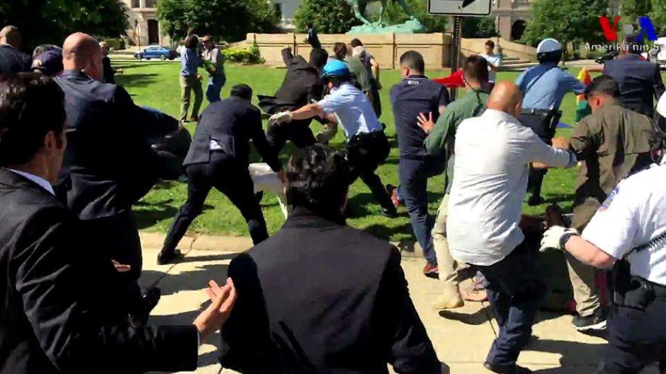 ΗΠΑ: Απαγγέλθηκαν κατηγορίες στους «μπράβους» του Ερντογάν
