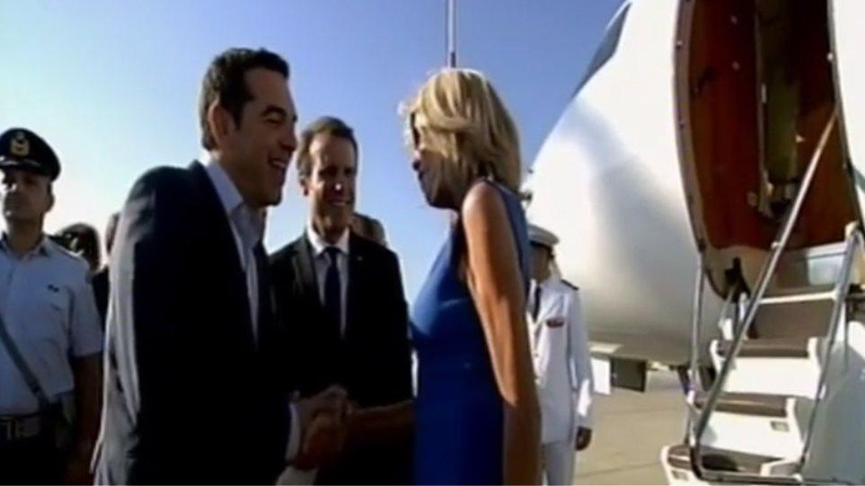Τσίπρας σε Μπριζίτ: «I hope to come back to Greece and to see Betty also»