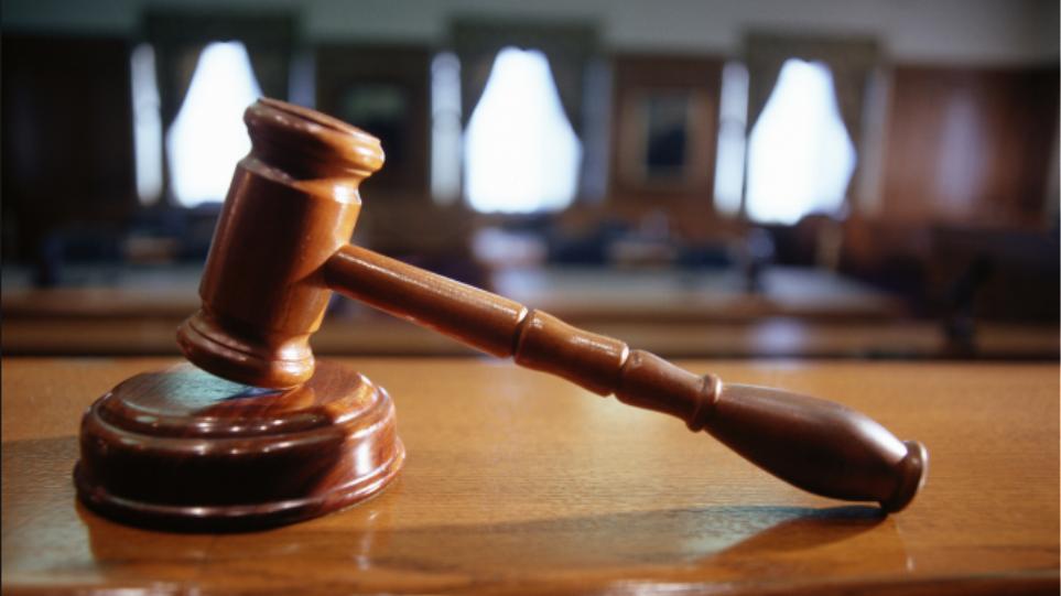 Ενοχή του Δημήτρη Καπράνου για το δομημένο ομόλογο του ΤΣΠΕΑΘ, ζήτησε η εισαγγελέας