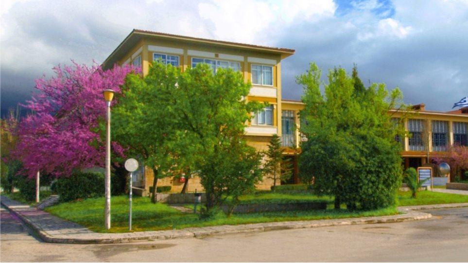 Πανεπιστήμιο Πατρών: Την ίδια εργασία αντέγραψαν 106 φοιτητές!