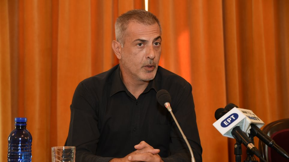 Μηνυτήρια αναφορά κατά παντός υπευθύνου κατέθεσε για τη ρύπανση ο δήμαρχος Πειραιά