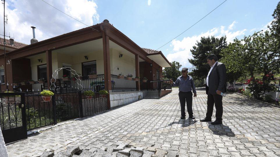 Απαλλοτρίωση «εδώ και τώρα» ζητούν οι κάτοικοι των Αναργύρων μετά την κατολίσθηση της ΔΕΗ