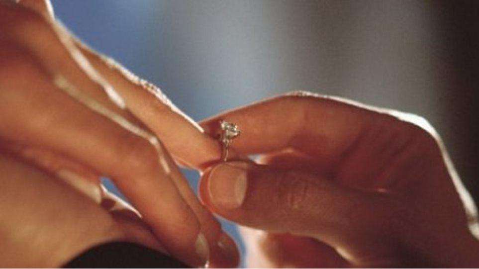 Πρόταση γάμου on air: «Τα παρατάω όλα, θέλεις να με παντρευτείς;»