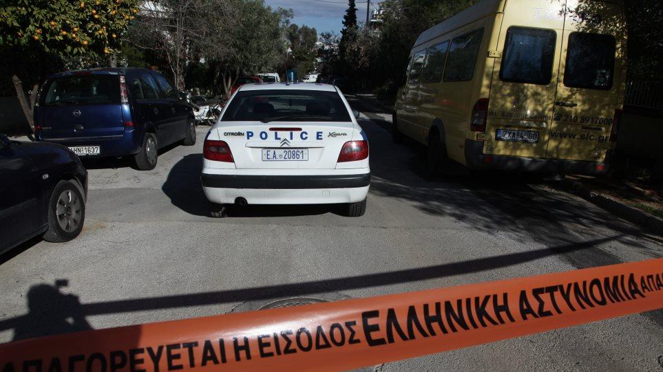 Άγρια δολοφονία στον Πειραιά: Ο ανιψιός σκότωσε τον θείο με 10 μαχαιριές