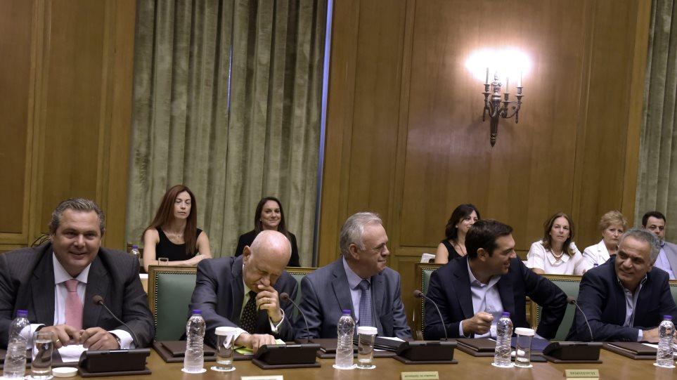 Σήμερα το υπουργικό: Ο… Σαρωνικός επισπεύδει τις πρωτοβουλίες Τσίπρα