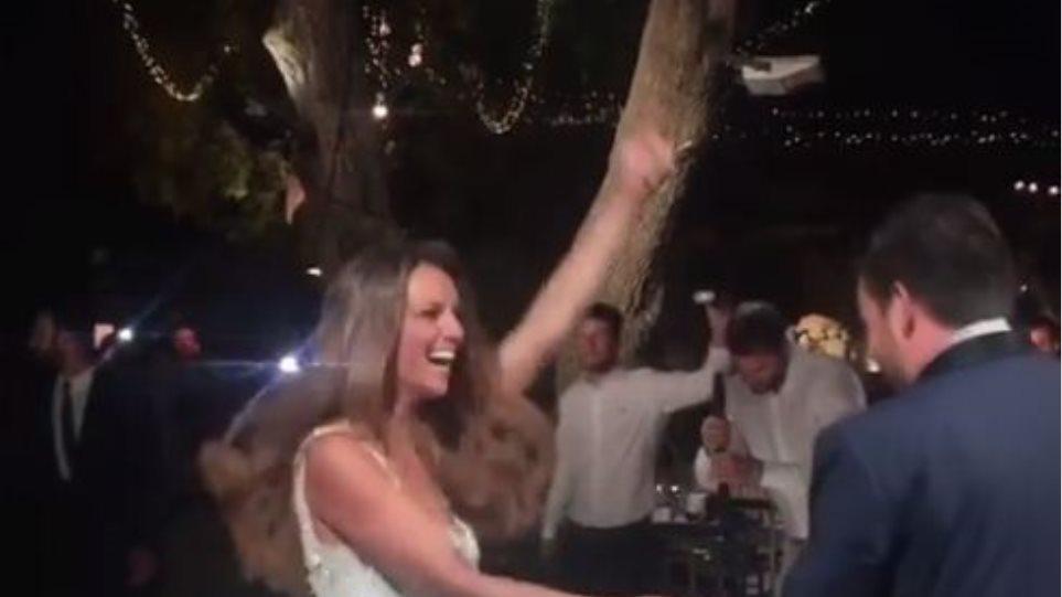 Το γαμήλιο πάρτι της Ελένης Τσολάκη: Ήταν όλοι οι φίλοι της εκεί